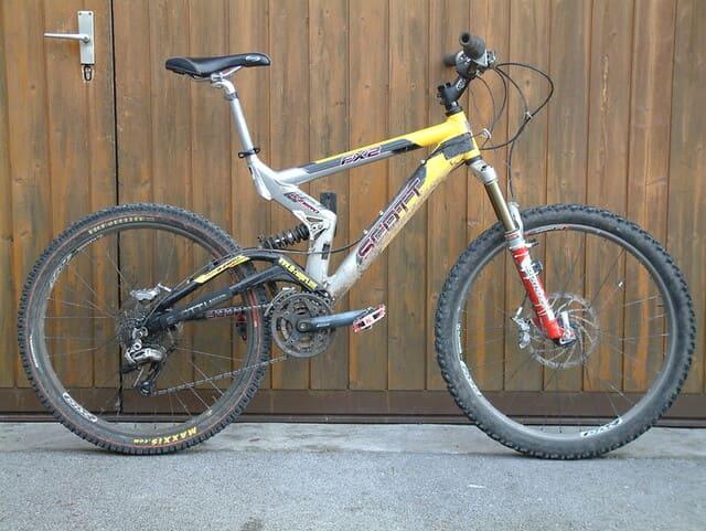 Bicicleta-MTB-Scott