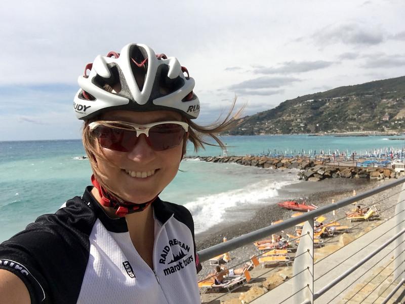 Ciclista-en-la-playa