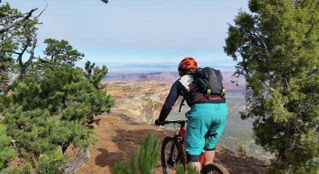 Ciclista-con-paisaje