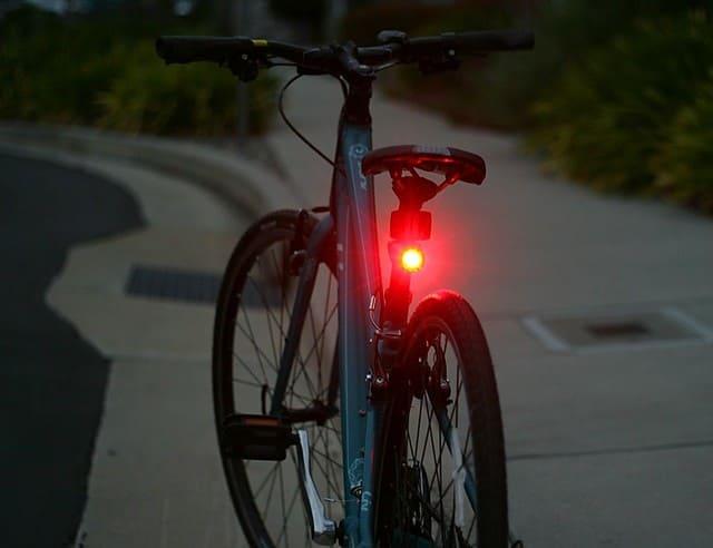 Luz-Trasera-de-Bicicleta